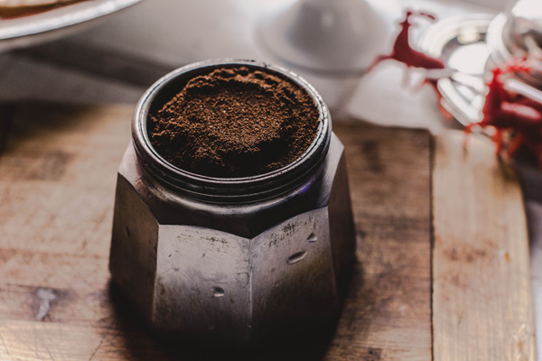 Ground coffee Eka's Apps provide traceability from farm to fork
